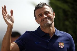 andres-iniesta-cant-be-compared-with-anyone-luis-enrique