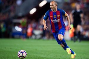 coutinho-could-fit-in-to-the-barcelona-team-iniesta