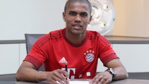 Douglas Costa Signs for FC Bayern