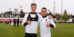 Fabian Orellana Makes Deadline Day Move to Valencia Santi Mina