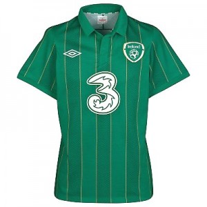 Ireland football shirts and jerseys