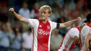 Kasper Dolberg Looks to Upset Man Utd Ajax