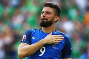 Olivier Giroud Plays on Despite Adversity France