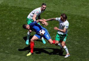 Olivier Giroud Plays on Despite Adversity France V Ireland