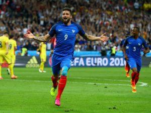 Olivier Giroud Plays on Despite Adversity Scores Euro 2016