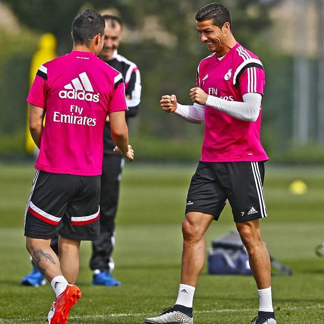 half off bddfd b542f Real Madrid Tracksuit | Real Madrid UCL Tracksuit 2014/15