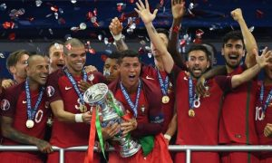 Ronaldo and Messi - Euro 2016 V Copa America Trophy